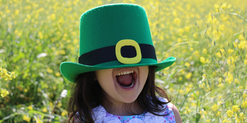 Child wearing St Patricks Day hat